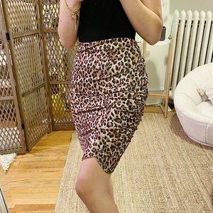 3/$19✨ Missguided Leopard Skirt